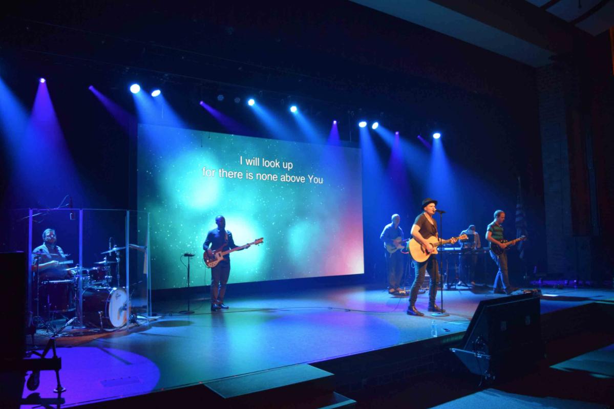 portable-church-worship